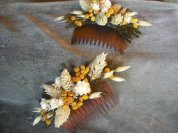 Dried flower hair comb made with Wheat, Tansy and Oats. Perfect for your fall wedding!